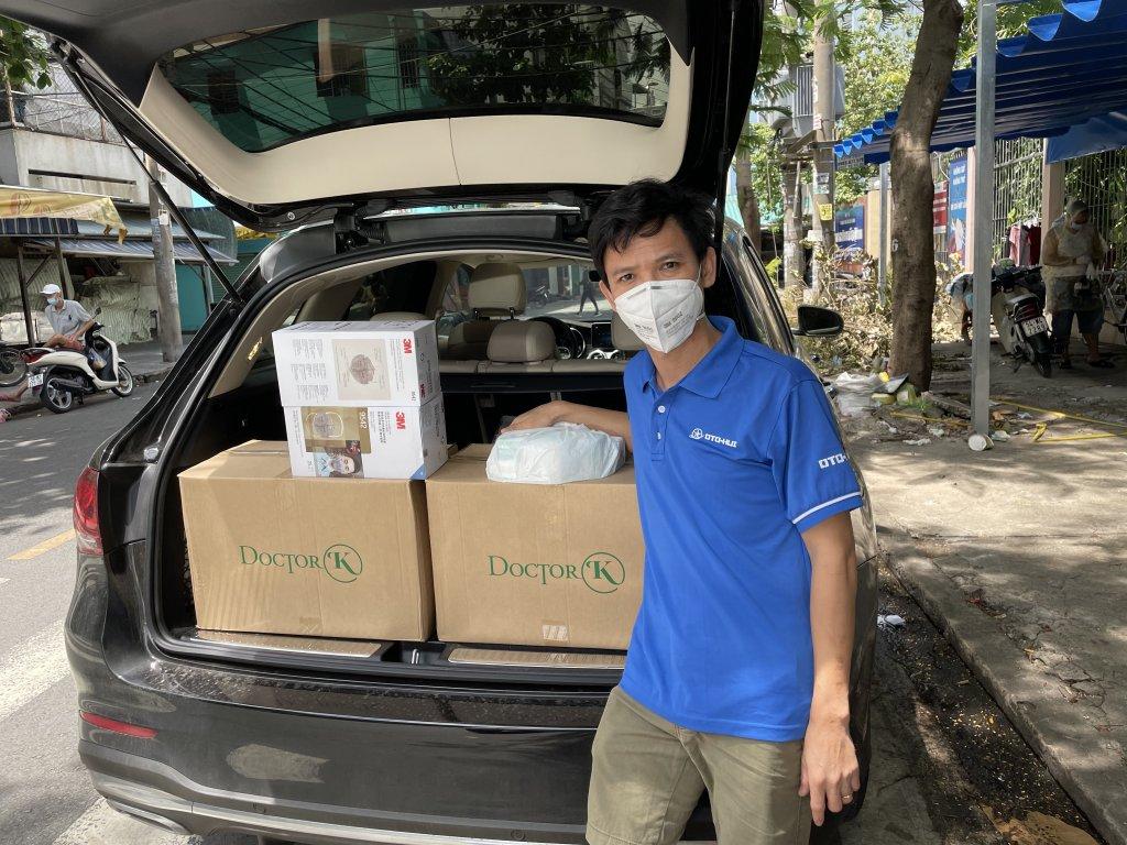 Sáng nay anh em Otohui chuyển giao một số thiết bị y tế hỗ trợ các chiến sĩ tuyến đầu