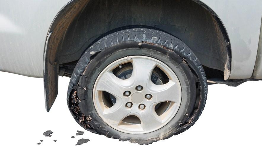 Sẽ rất nguy hiểm cho việc lái xe nếu mâm xe bị nứt