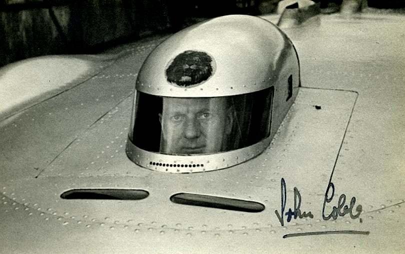 thunderbolt-vs-reid-railton-cham-dut-pha-ky-luc-toc-do-xe-tu-nam-1939 (2).jpg